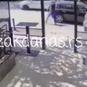 OBRT SLUČAJA TUČE NASRED ULICE U NOVOM PAZARU: Povređeni motociklista prvi udario i nožem posekao vozača automobila!