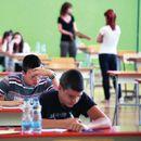 NASTAVLJA SE MALA MATURA: Osmaci danas polažu test iz matematike, sutra kombinovani