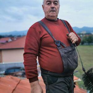 RUKE SU MU GARAVE ALI OBRAZ ČIST: Upoznajte Đura, gospodara čačanskih krovova