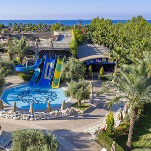 IZUZETAN U SVAKOM SMISLU: Posetite Antaliju i uživajte u odličnom hotelu Royal Holiday Palace 5*