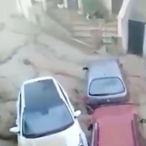VODENI ARMAGEDON U ŠPANIJI: Bujica provalila u kuće i tržne centre, nosila kola kao da su kutije šibica VIDEO