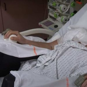 Вистински медицински подвиг се случи во Франција: направена е првата трансплантација на двете раце со рамена