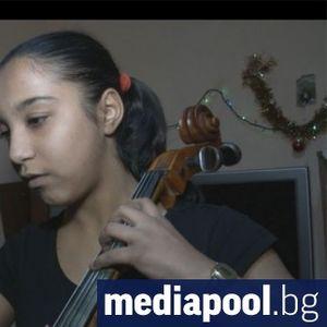 Как виолончелото промени живота на ромското момиче Мариана
