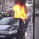 Кога жолтите елеци ќе сретнат скапо Порше паркирано на улица во Париз