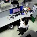 Жената се брани со кертриџ за печатачот за време на грабеж