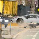 Фраерот со Ламборгини реши да провери што е поцврсто, неговиот супер автомобил или дрвото крај патот!