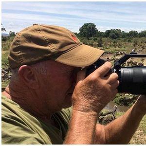 Лавот испуштил голем крик и фотографот мислел дека е готов, но го добил најголемото изненадување во животот