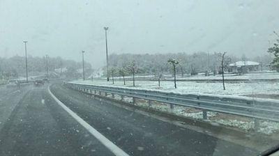 Падна снег над Макарска