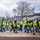 """Продолжуваат протестите на """"жолтите елеци"""" во Франција"""