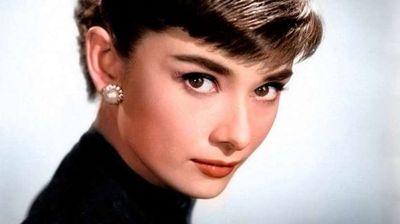 Ќе се снима биографска ТВ-серија за Одри Хепберн