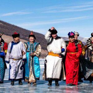 Фестивал кој се прославува на замрзнато езеро во Монголија