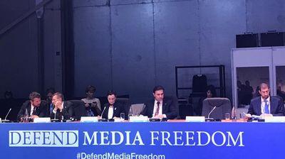 Главна цел на Владата останува професионалното новинарство ослободено од влијанија на центрите на моќ