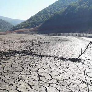 Долготрајната суша го претвори езерото Козјак во пустина