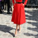 Мантил-фустанот  е вечно модерен модел