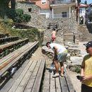 Охрид затрупан со ѓубре, граѓани излегоа да го собираат отпадот