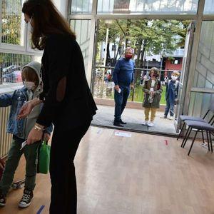 Децата тргнаа на училиште под посебни протоколи