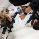 """""""Спејс-икс"""" ги однесе  првите туристи во вселената"""