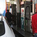 """Бензинските пумпи во Иран не работат поради """"хакерски напад"""""""