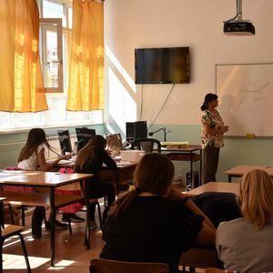 """Спој на теоријата и праксата – учениците од СОУ """"Орде Чопела"""" практичната настава ја изведуваат во прилепските компании"""