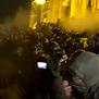 """""""Орбан, оди по ѓаволите!"""", втор ден протести во Будимпешта"""