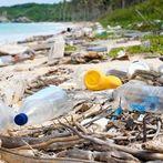 [Став] Рециклирањето не е решение за пластиката, треба да запре нејзиното производство
