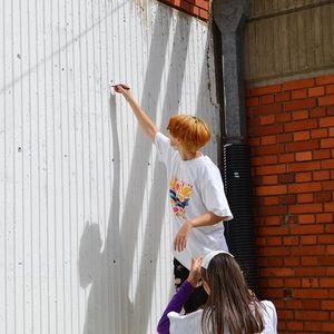 """Младинска акција за разубавување на дворот на струмичкото училиште """"Никола Карев"""""""