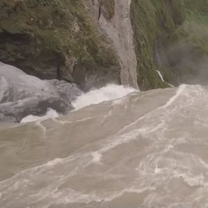 (VIDEO) Nestao jedan od najvećih vodopada na svetu - reku progutao ponor