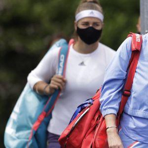 """Ko kaže da je tenis """"mrtav""""? Jedan od prvih turnira odigran po specijalnim uslovima, a ONA je podigla pehar"""
