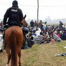 HRVATSKI POLICAJAC SEKSUALNO ZLOSTAVLJAO MIGRANTKINJU! Naredio mi je da se skinem, dirao po grudima i rekao: Ako si muslimanka ostani u Bosni!