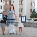 UPISALA SE U GINISOVU KNJIGU REKORDA: Najviša žena na planeti poslala BITNU poruku celom svetu!