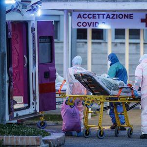 Руски виролози пристигнаа во Ломбардија, им помагаат на лекарите во борбата против вирусот (ВИДЕО)