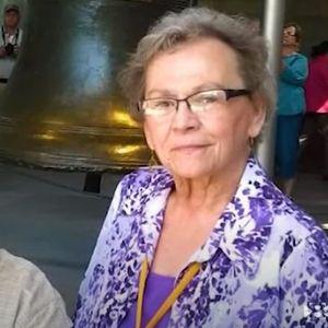 Биле во брак 53 години, а потоа и двајцата починале од коронавирус, држејќи се за раце