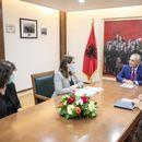 Мета на средба со министерката Манастирлиу поради влошената состојба со Ковид-19 во Албанија