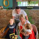Водени лудории во Кушадаси: Тамара Тодевска со семејството ужива во Турција! (ФОТО)