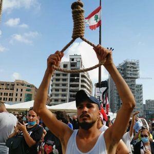 Демонстрантите во Бејрут обесија картонски ликови на премиерот и членовите на владата