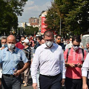 ВМРО-ДПМНЕ во редовна контра и за вонредната состојба