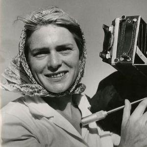"""Неуништливата Меги, била прва фотографка на воените фронтови, прва фотографка на """"Лајф"""" и прв фотограф во светот примен во Советскиот Сојуз"""