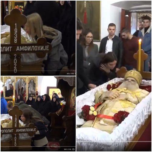 Бизарно- Деца го бакнуваат телото на Амфилохије кој почина од ковид-19