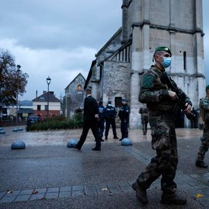 ВИДЕО: Грчки православен свештеник застрелан пред црква во Париз