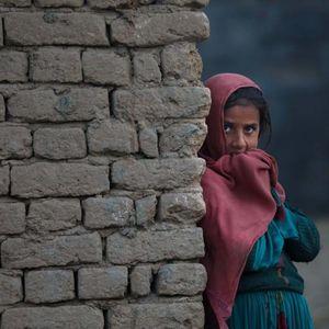 """""""Немаа никој, нивните родители се мртви"""": Осум деца умреле од глад во Кабул"""