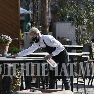 Владата го укина ограничувањето на гости на иста маса во угостителските објекти