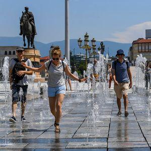Македонија под топлотен бран: Нѐ очекуваат натпросечно високи температури сѐ до недела