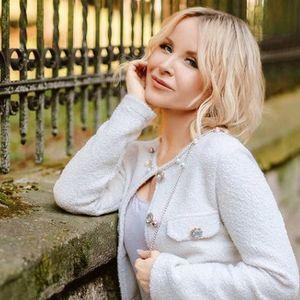 ФОТО | Во друштво на прекрасни дами: Даниела Мартиновиќ го прослави својот 50-ти роденден без Петар Грашо