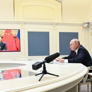 """Вашингтон и Брисел, но не и ЕУ, се во """"студена војна"""" со Русија и Кина"""