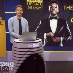 """Германците тераат сеир со """"тајниот агент 007"""" на Јунајтед: Јас сум Санчо, Џејдон Санчо"""