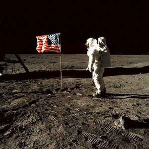 Were the moon landings faked? Conspiracy theories about the Apollo programme