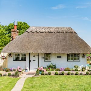 How to WIN a cottage break with Sun Savers