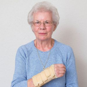 Hospital tells OAP, 83, with a broken arm she's too OLD for treatment