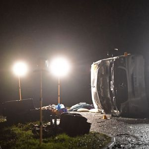 One person killed and 20 injured after minibus overturns in Cambridgeshire crash