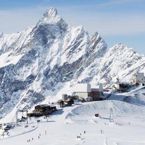Ski holiday on the Italian-Swiss resort of Cervinia borders on perfection
